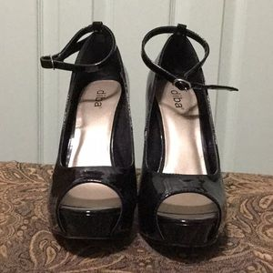Faux black patent leather open toed heels